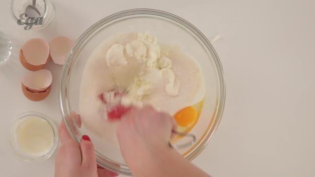 Творожный кекс с яйцами