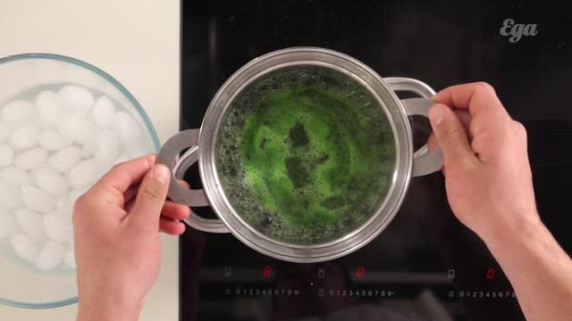 Пхали из замороженного шпината