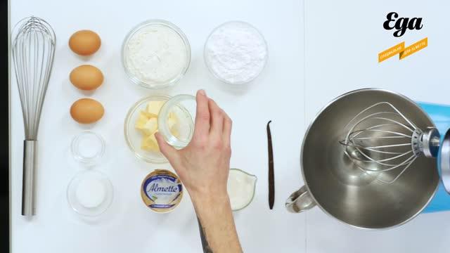 Профитроли с кремом из сливочного сыра