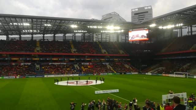 Фанаты ЦСКА исполнили «10-й наш десантный батальон»