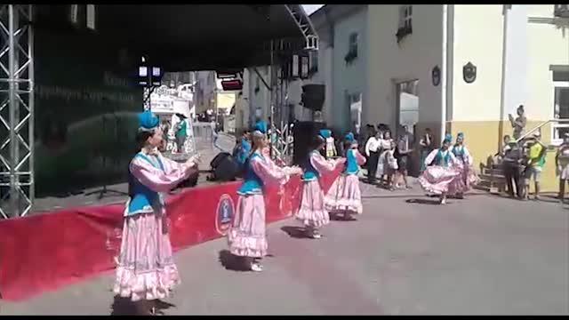Танцы на улице Баумана в Казани