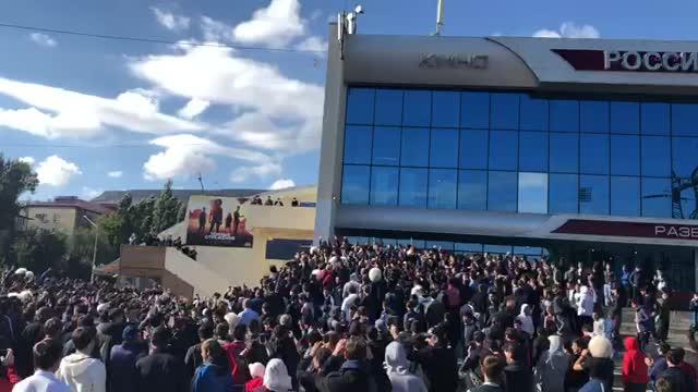 Фанатов Хабиба попросили соблюдать порядок при праздновании
