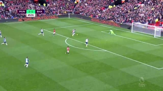 3:1. Рашфорд («Ман. Юнайтед») вколачивает мяч под перекладину