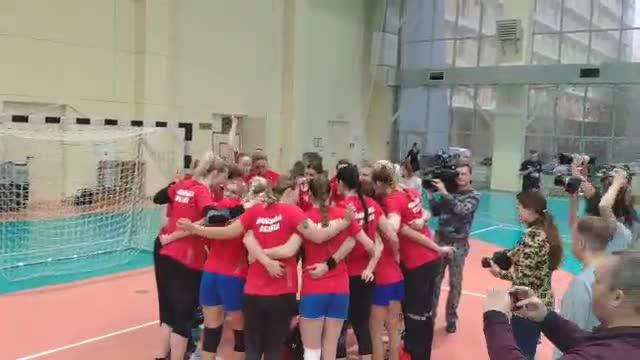 Сборная России повторила олимпийскую фотосессию