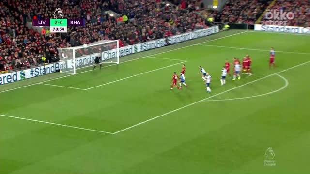 2:1. Данк («Брайтон») забил Адриану, пока тот ставил стенку