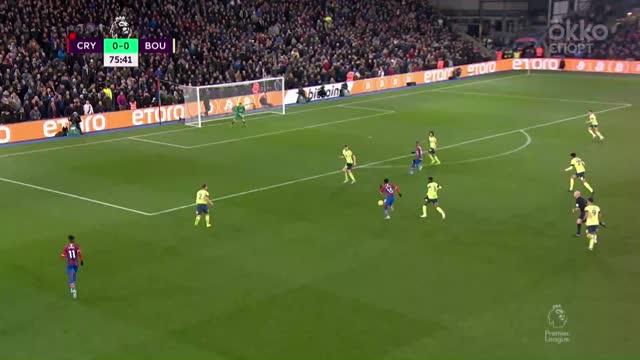 Защитник «Пэлас» забил, пройдя полполя и обыграв трёх соперников