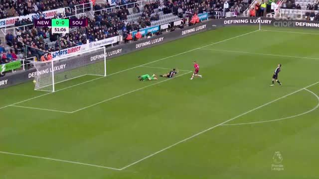 0:1. Ингс («Саутгемптон») забивает в пятом мачте подряд