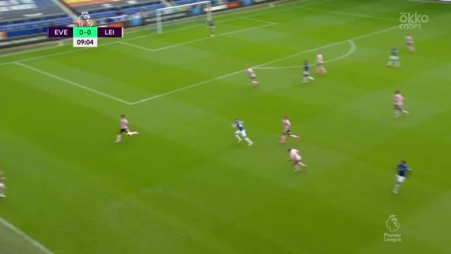1:0. Ришарлисон («Эвертон») открывает счет в матче
