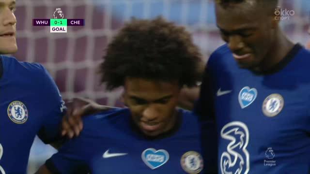 0:1. Виллиан («Челси») уверенно реализует пенальти