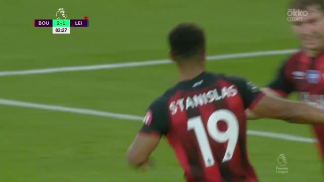 3:1. Эванс («Лестер») срезает мяч в свои ворота