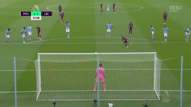1:1. Варди («Лестер») забивает с пенальти