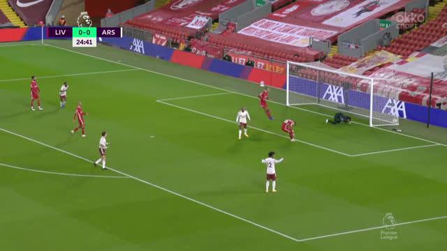 0:1. Ляказетт («Арсенал») воспользовался срезкой Робертсона