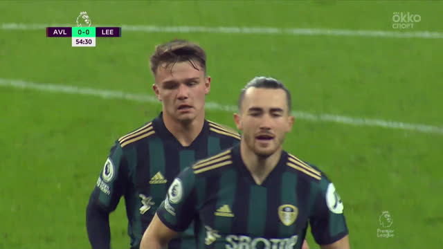 0:1. Бэмфорд («Лидс») удачно сыграл на добивании