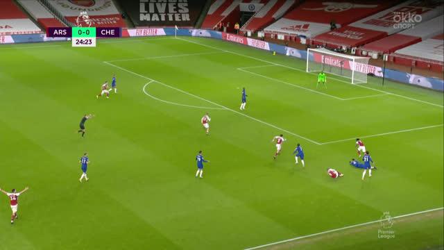 Опаснейшая атака «Арсенала» закончилась только угловым