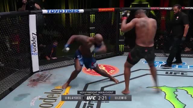 Льюис нокаутировал Блейдса в главном бою UFC Fight Night 185