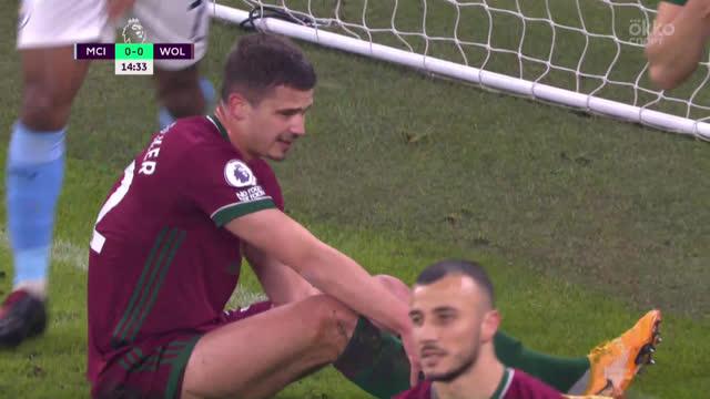 1:0. Дендонкер («Вулвз») срезал мяч в свои ворота