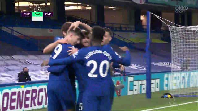 1:0. Годфри («Эвертон») срезает мяч в ворота после удара Хаверца