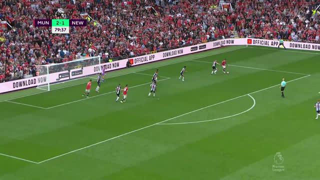 3:1. Фернандеш («Манчестер Юнайтед») забивает дальним ударом!