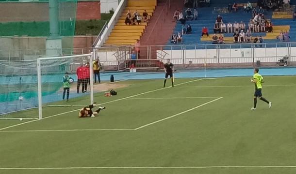 Второй дивизион — Запад. Первый матч Павлюченко в составе «Арарата»
