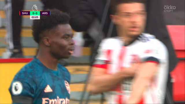Сака («Арсенал») опасно пробивает с левой ноги!