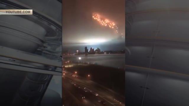 Нью-Йорк атаковали «зловещие небесные огни»